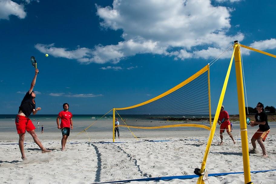 Le beach tennis for Longueur terrain de tennis