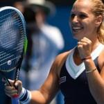 Dominika Cibulkova tacle Maria Sharapova