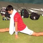 Novak Djokovic fan du grand écart