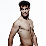 Fognini pose nu pour la bonne cause