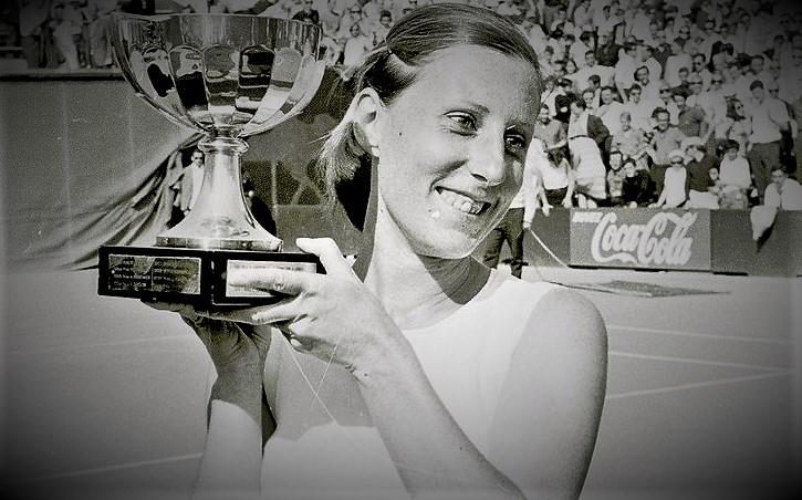 Françoise Durr remporte Roland-Garros 1967 / ©ChantalKuntz Tenniseum