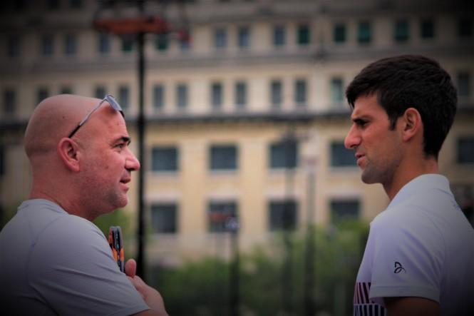 Andre Agassi et Novak Djokovic / ©SoTennis